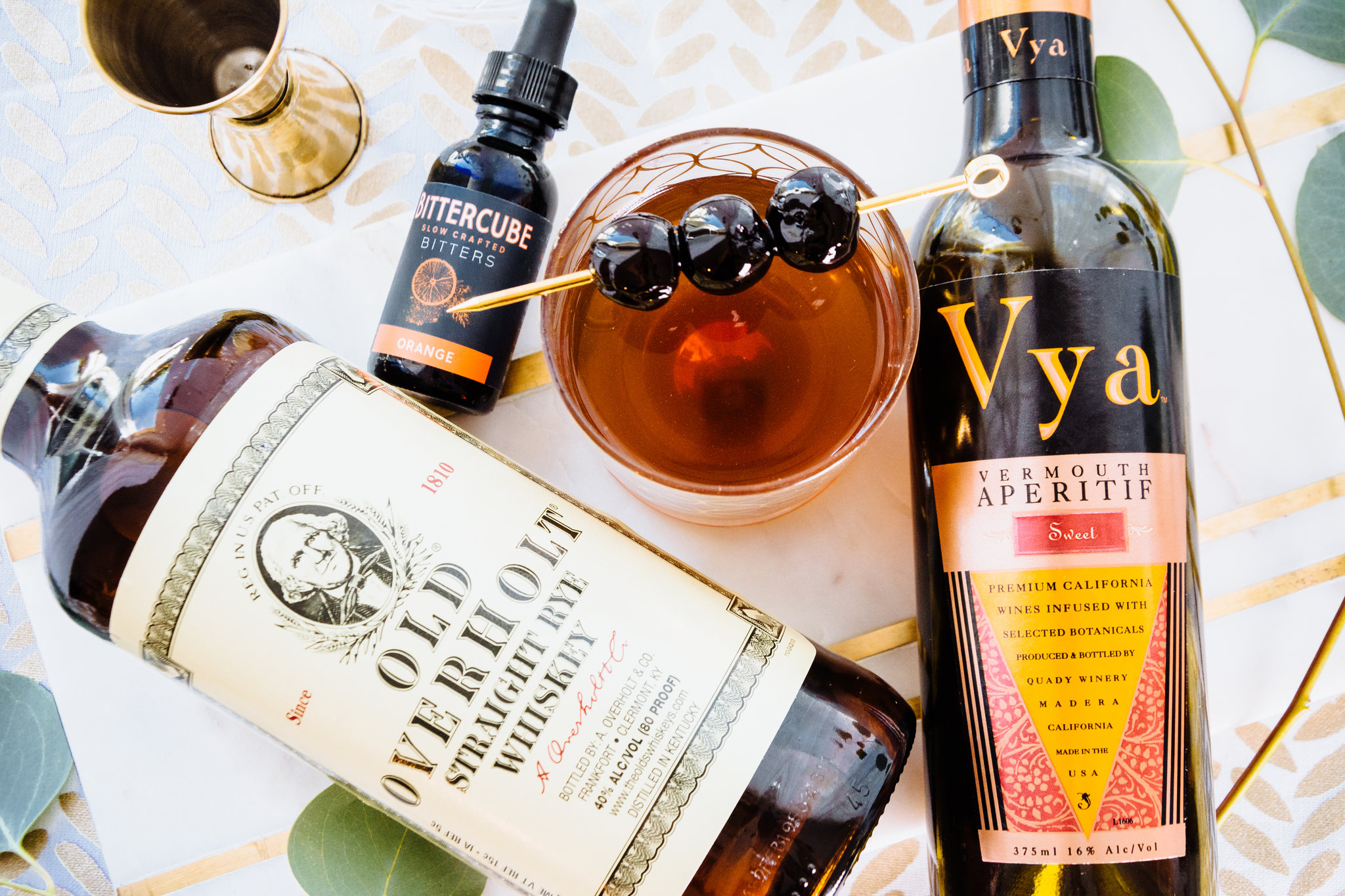 celebrate manhattan month october vermouth whiskey bourbon rye